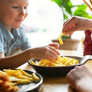 ¿Cuántas papas fritas pueden comer los niños?